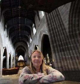 Filme do Monty Python na igreja
