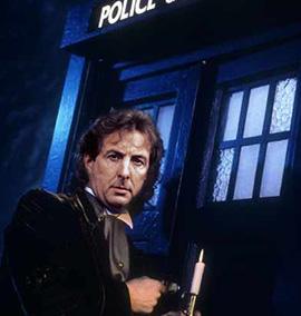 Um membro do Monty Python como Doctor Who