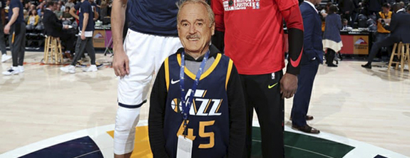 John Cleese Assinou Contrato com Time de Basquete